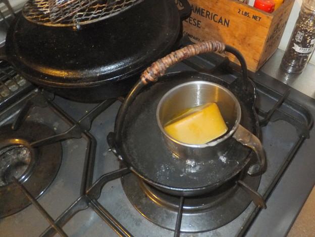 蜜蝋を湯煎