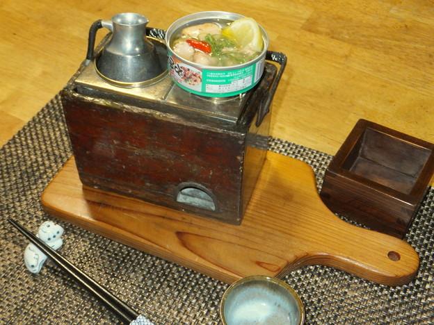 Photos: 缶詰で一杯