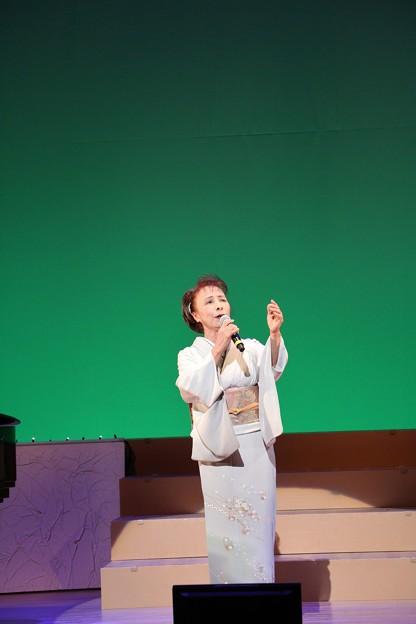 竜一樹夢コンサートゲスト青葉の笛を歌う島育子
