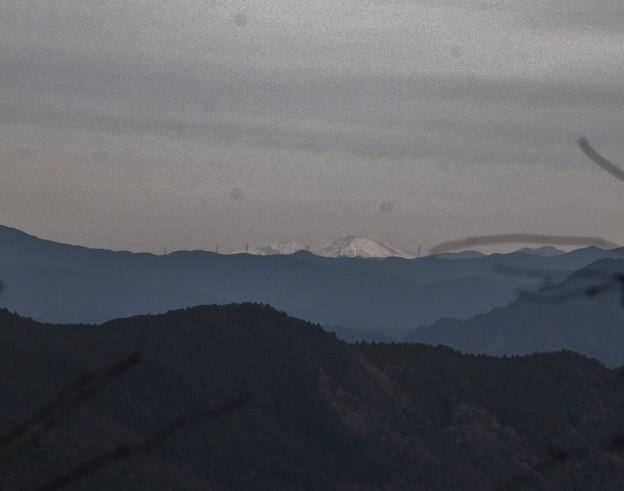 富幕山から雪の恵那山と御嶽山・・
