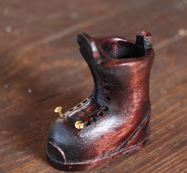 富幕山メンバーの製作中木製のブーツ~