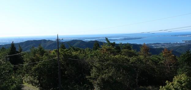 富幕山山頂展望デッキより「じょうがみね、尉ヶ峰」方面