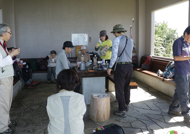 Photos: 富幕山今朝の休憩舎
