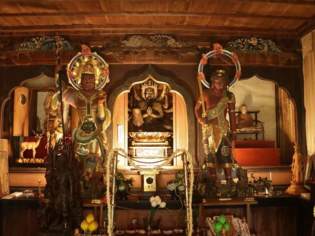 長楽寺護摩堂馬頭観音座像