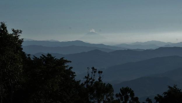 今朝の富幕山休憩舎展望デッキより富士山