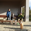 Photos: 今朝の山頂休憩舎手前右のトレラン尉ヶ峰~富幕山~瓶割峠に行って尉ヶ峰方面に帰って行きました。