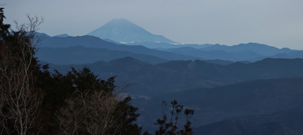 Photos: 富幕山休憩舎展望デッキより今朝の富士山
