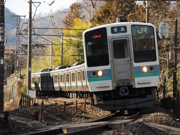 第五甲州街道踏切にて211系電車