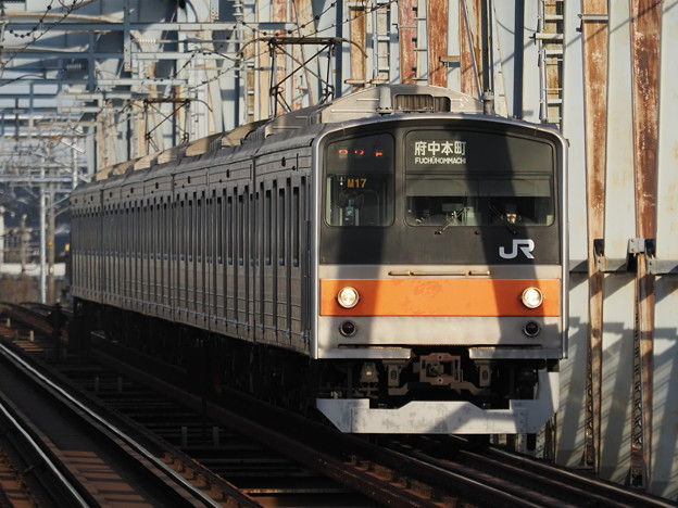 江戸川橋梁通過中の205系電車