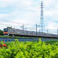 鉄塔と電車[P5241353]