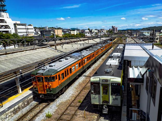 Photos: 小諸駅の115系とキハ110系