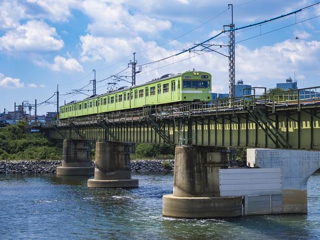 Photos: 宇治川鉄橋上り列車進行之図