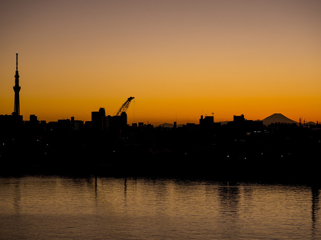 電波塔と富士山