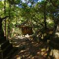 Photos: 滝の上の社