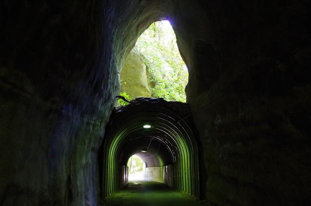 二段トンネル