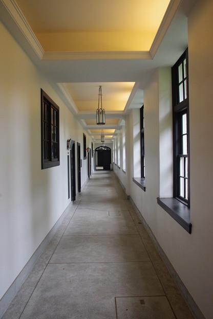 Photos: 白い廊下