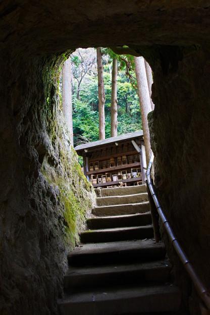 浄智寺のトンネル