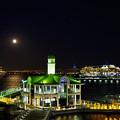 月夜の出港