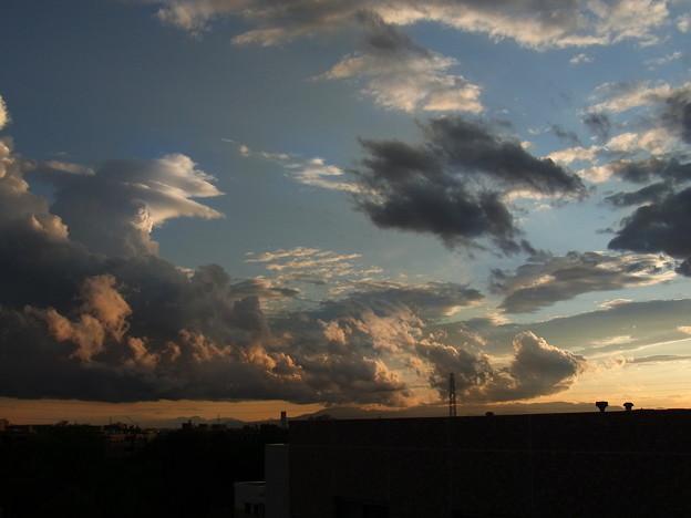 雨上がりの夕空