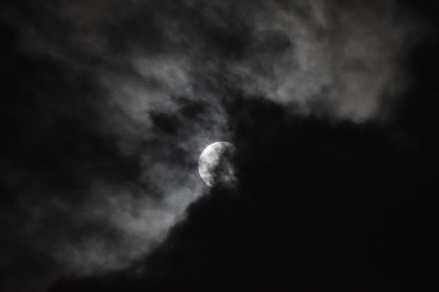 雲を纏いて