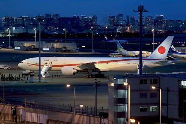 政府専用機 B777