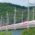 「ハローキティ新幹線」