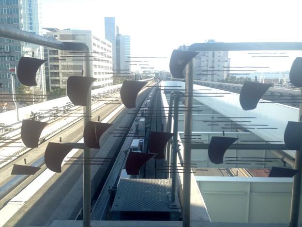 No.331 U08 ゆりかもめ 東京国際クルーズターミナル駅 帆掛け船文様