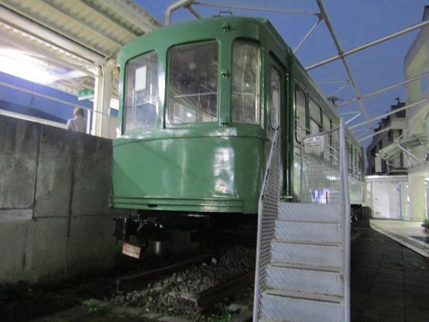 江ノ島電鉄600形デハ601_東急宮の坂駅前