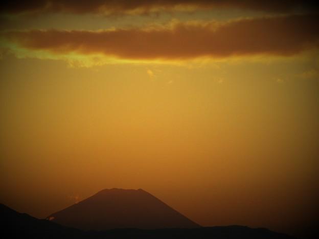 夕刻の富士 冬の空