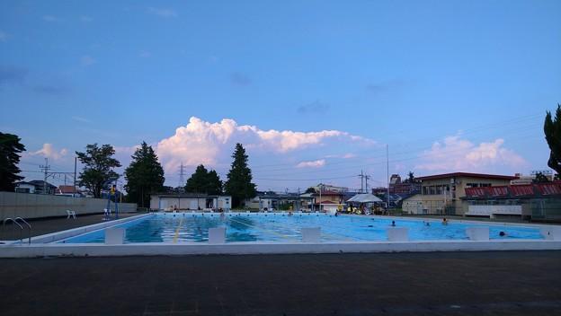 盆の市民プール