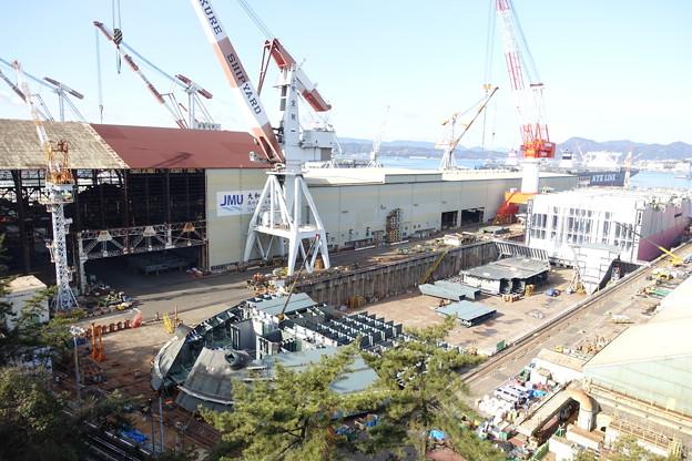 巨大船建造中