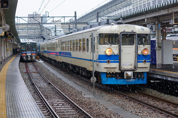 北陸本線 富山駅
