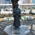 写真: 竹千代像(静岡駅前)