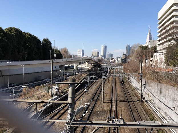 信濃町駅前交差点より(新宿区)