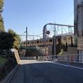 写真: JR千駄ヶ谷駅北(渋谷区)御苑千駄ヶ谷門方向