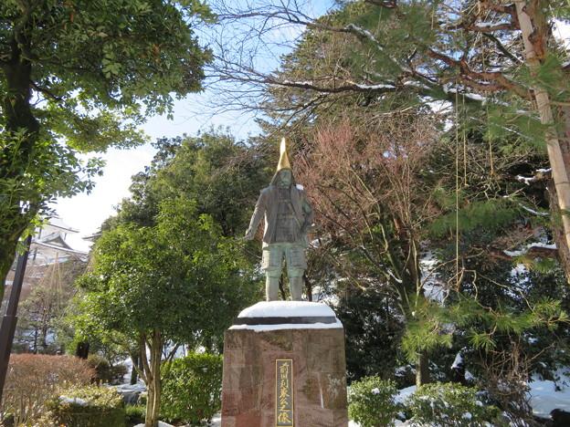 金沢城(石川県営 金沢城公園)前田利家像