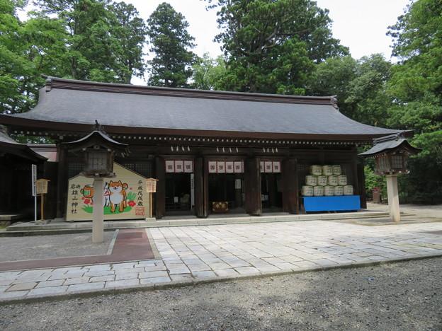 Photos: 雄山神社 前立社殿(立山町岩峅寺1)拝殿