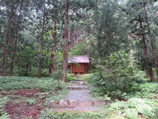 Photos: 雄山神社 中宮祈願殿(立山町芦峅寺2)神秘社(山神社)