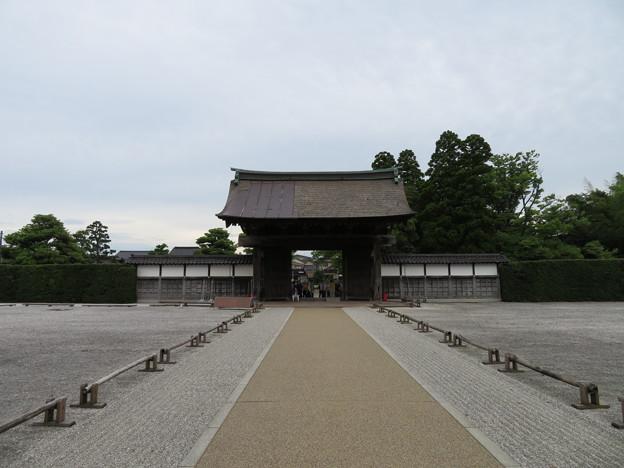 瑞龍寺(高岡市関本町)総門