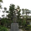 写真: 高瀬神社(南砺市)藤井秀直翁像