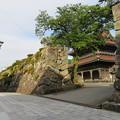 Photos: 真宗大谷派 井波別院瑞泉寺(南砺市)石垣(大楼壁)