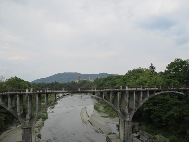 新秩父橋より旧秩父橋(埼玉県)