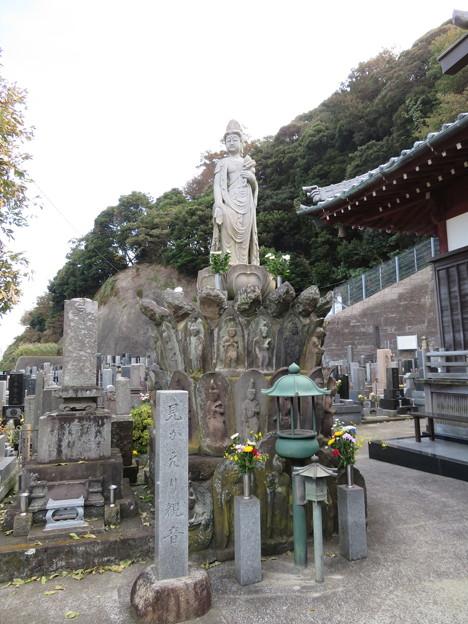 Photos: 信楽寺(横須賀市)みかえり観音