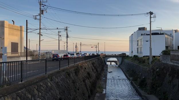 江ノ電 七里ヶ浜駅前より(鎌倉市)