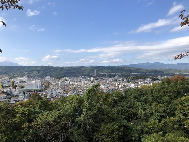 Photos: 羊山公園 見晴らしの丘(秩父市)より南東