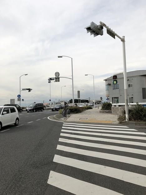 江の島入口交差点(藤沢市)