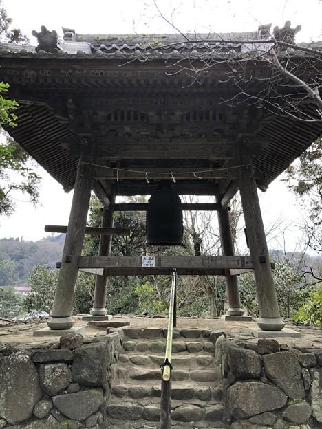 Photos: 杉本城/杉本寺(鎌倉市)鐘楼・梵鐘