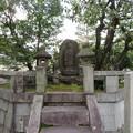 大徳寺(京都市北区)平康頼之塔