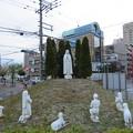 Photos: ファチマの聖母と羊飼いの像(中央区。大阪カテドラル聖マリア大聖堂)