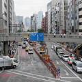渋谷駅東口交差点歩道橋より(渋谷3丁目)南。明治通り